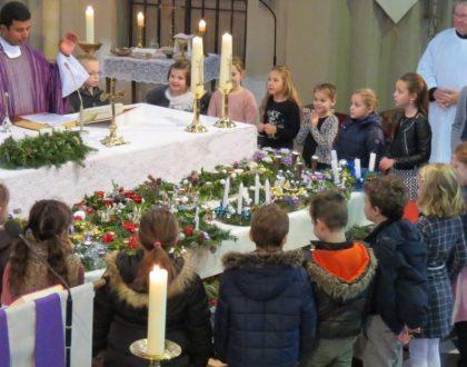 ZONDAG 1 december Eerste Zondag van de Advent. Gezinsviering met Communicanten en Vormelingen 11.00 uur