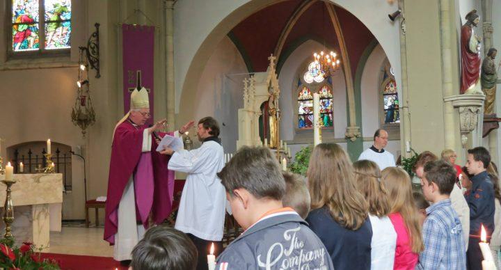 Hulpbisschop Everard de Jong de nieuwe pastoor van Amby,De Heeg, Heer, Heugem en Scharn