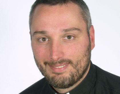Foto-albums van de Priesterwijding en 1e H.Mis van kapelaan Slaven