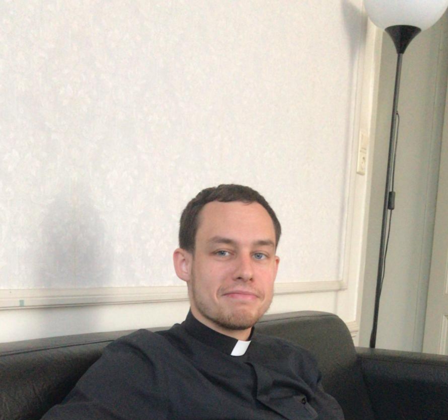 Diaken wijding van kapelaan Pawel Zelazny op zaterdag 26 oktober ...